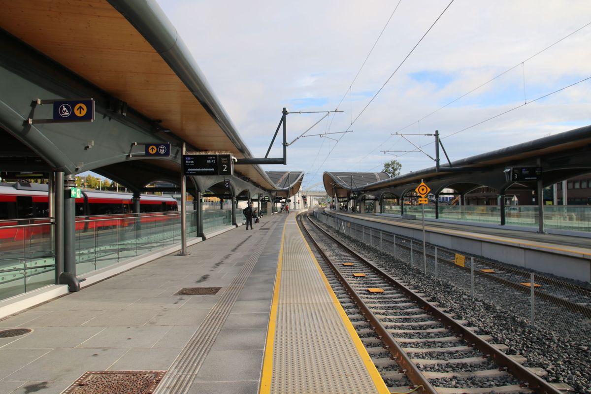 Vestre del av stasjonen er nå ferdig. Nå starter arbeidet med østre del. Den skal stå ferdig mot slutten av 2022.