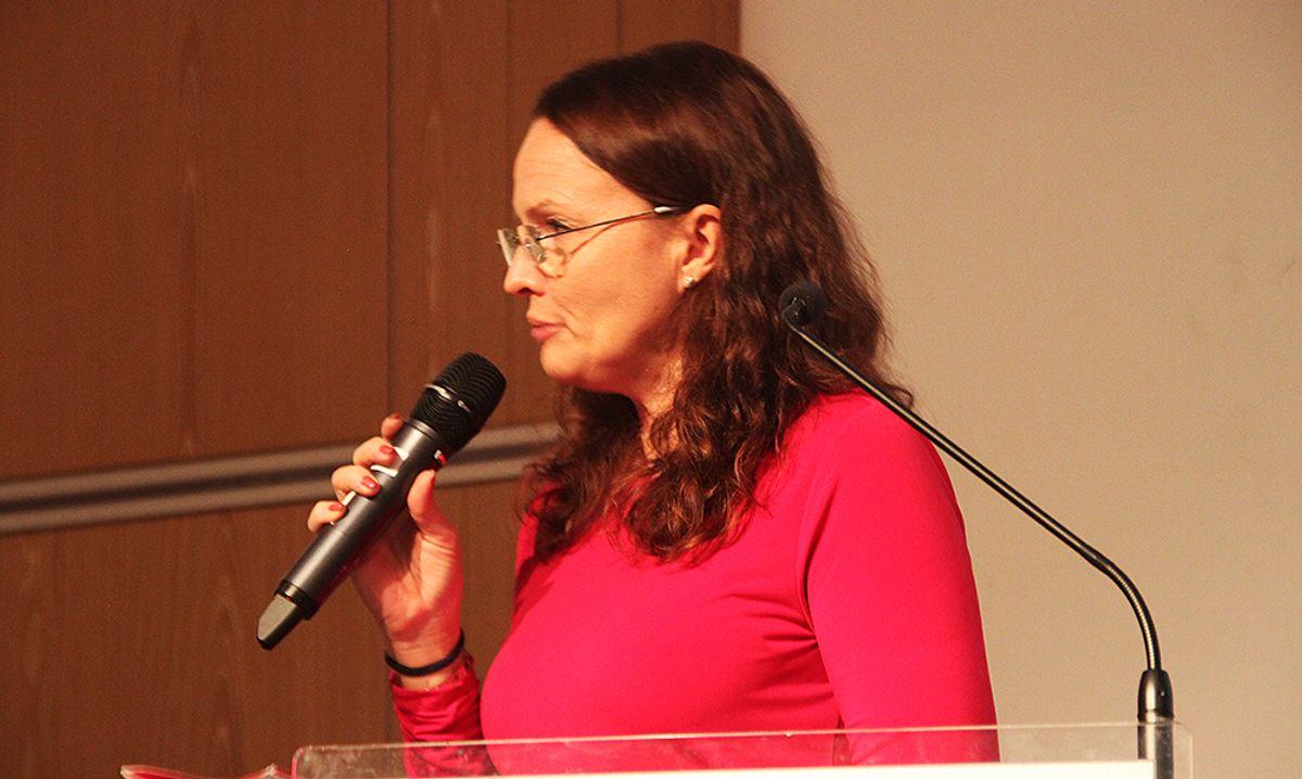 Møteleder Kjersti Kvalheim Dunham.