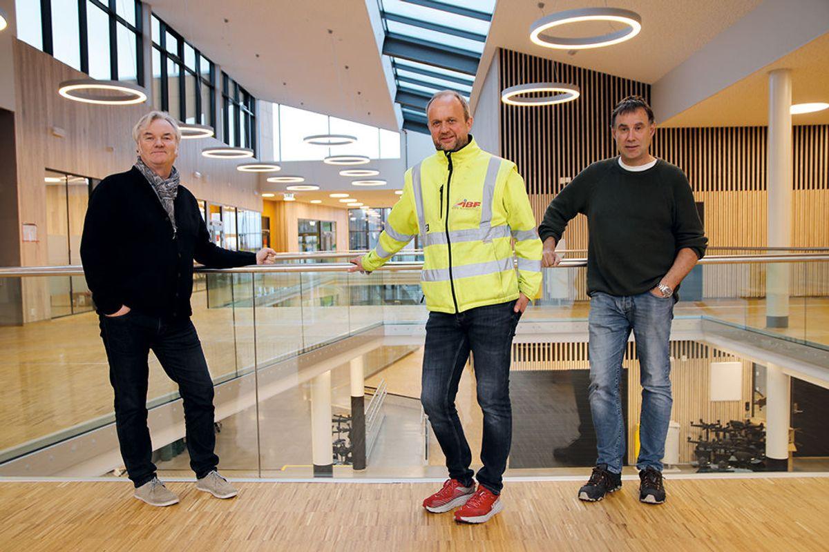 Fra venstre: Sivilarkitekt Rune M Karlsen, Arkitektgruppen Cubus, prosjektleder Tor-Ivar Humborstad, Åsane Byggmesterforretning, og prosjektleder Frank-Ove Åmodt, Askøy kommune.