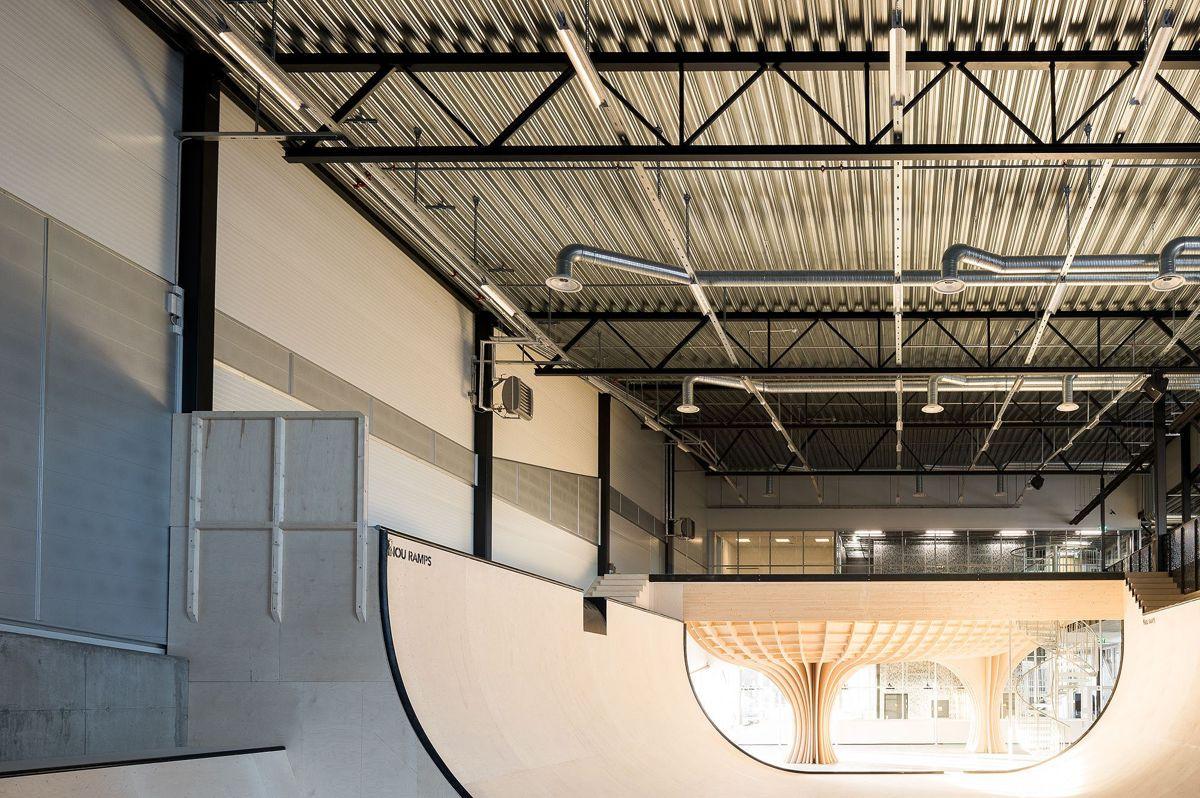 Den nye skatehallen på Voldsløkka er utformet i tett dialog med brukerne og spesialtilpasset skaternes behov. Foto: Finn Ståle Felberg/Kultur- og idrettsbygg.