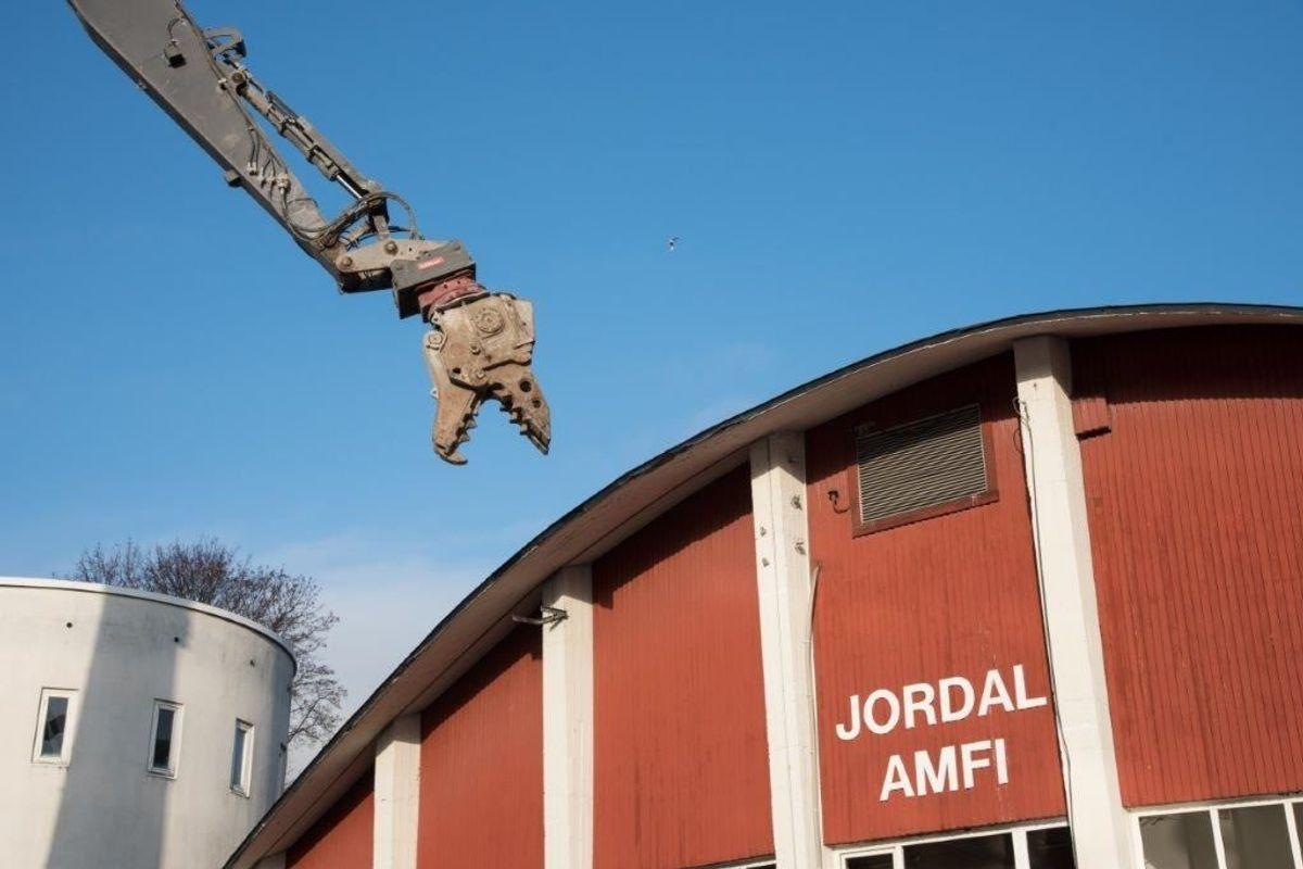 <p>Byggeprosessen har vært helt uproblematisk for Nye Jordal Amfi etter at man startet rivingen av den gamle hockeyhallen i 2017. Foto: Trond Joelsen</p>
