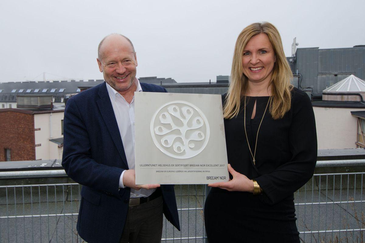 Administrerende direktør Per Morten Johansen i Omsorgsbygg Oslo KF og daglig leder i Norwegian Green Building Council Kjersti Folvik.