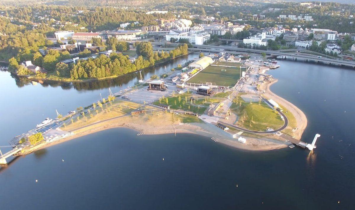 Nye Kadettangen – Sandvika fjordpark – Kjersti Vallevik Håbjørg. Dronefoto: Thorbjørn Hundere