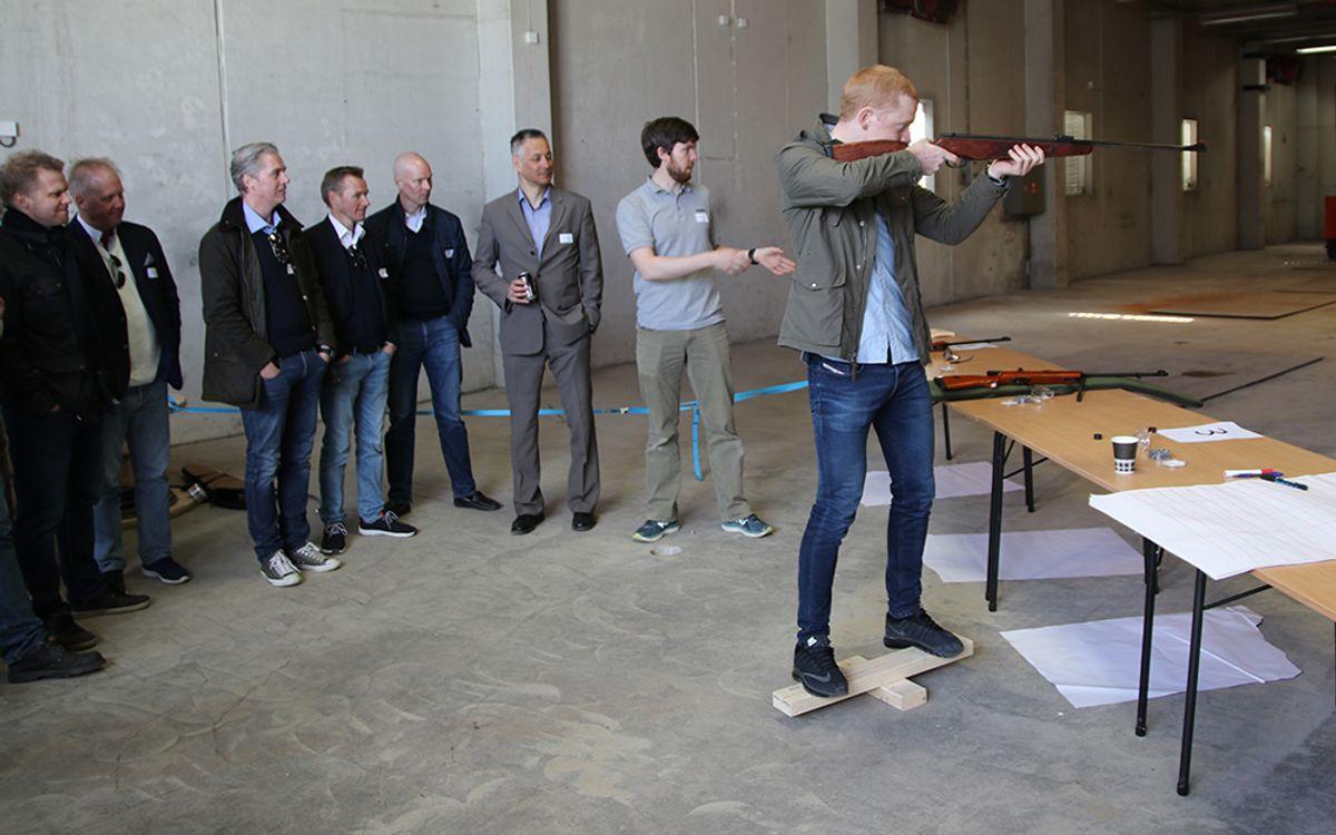 På åpningsfesten ble det også mulighet til å delta i en skytekonkurranse med luftgevær og lasergevær sammen med skiskytteresset Johannes Thingnes Bø.