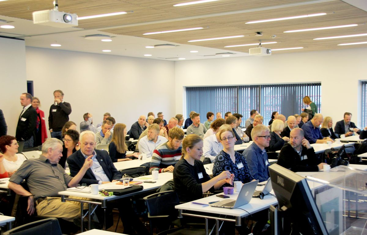 STOR INTERESSE: Leverandørkonferansen for utslippsfrie bygge- og anleggsplasser samlet ca 170 deltakere fra byggherrer, entreprenører, leverandører og offentlige etater i Miljødirektoratets lokaler i Oslo mandag 15. mai. Foto: Svanhild Blakstad