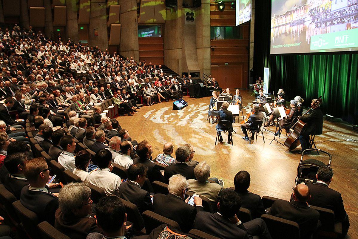 Bergen Filharmoniske Orkester spilte under åpningssekvensen.