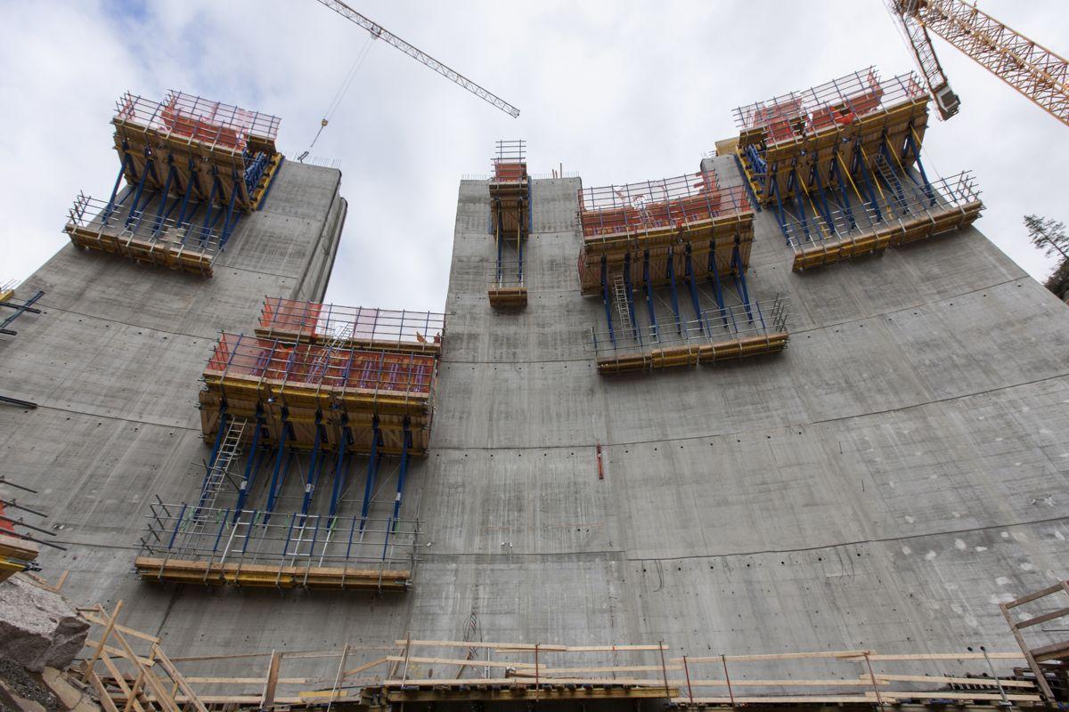 Fra byggingen av Sarvsfossen dam. Foto: Doka