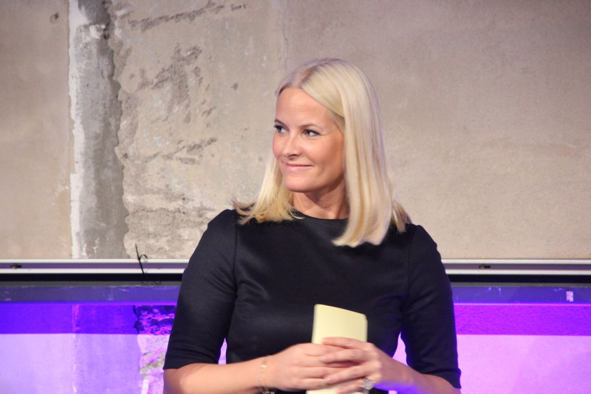 Kronprinsesse Mette-Marit delte ut prisen for Årets sosiale entreprenør. (Foto: Svanhild Blakstad)