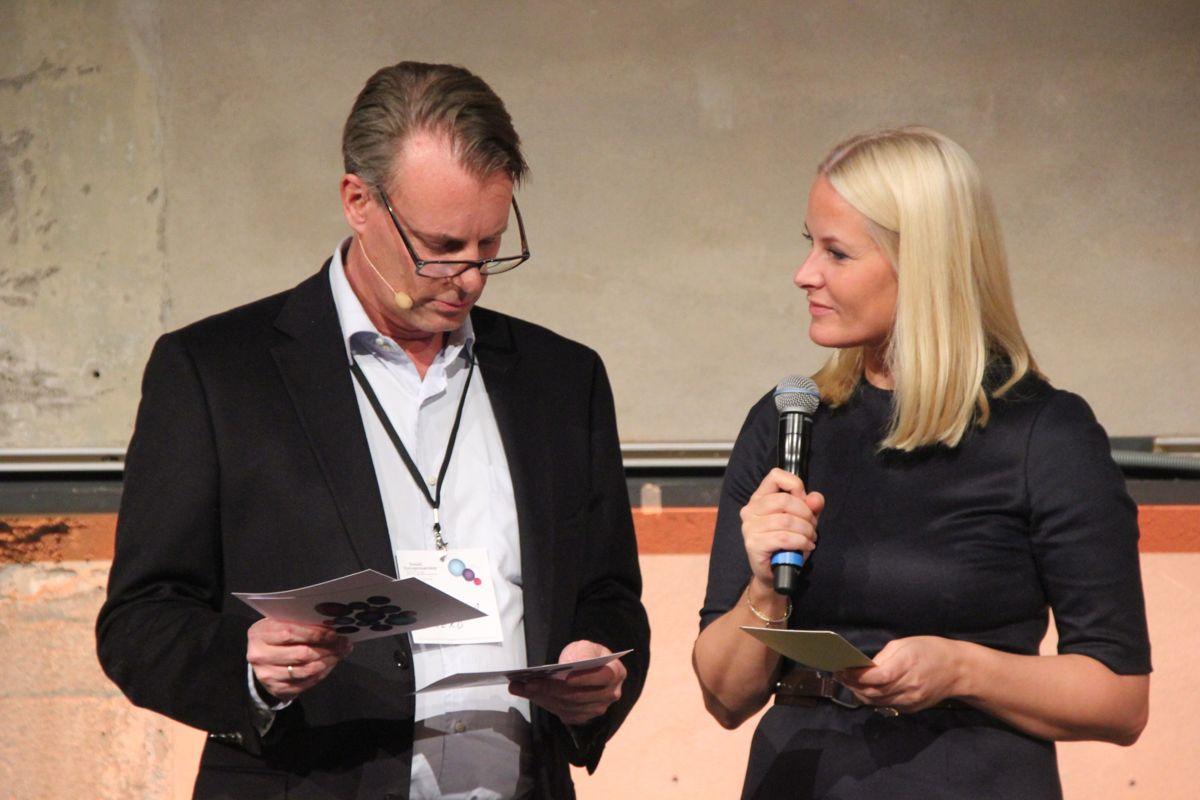 Johan H. Andresen og kronprinsesse Mette-Marit under kåringen av Årets sosiale entreprenør. (Foto: Svanhild Blakstad)
