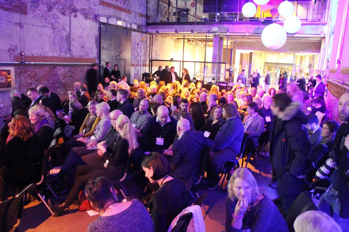 Det var folksomt under prisutdelingen, som var lagt til konferansen Sosial Entreprenørskap på DogA i Oslo.