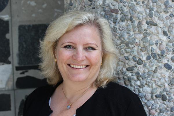 - Tilstrekkelig tilgang til råvarer er kritisk for å sikre utvikling og etablering av norsk industri, sier generalsekretær Anita Helene Hall i Norsk Bergindustri.