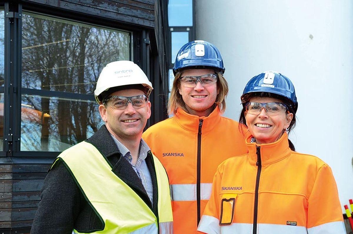 Einar Børve i Entra (fra v.), Fredrik Dæhli og Marit Thyholt i Skanska.