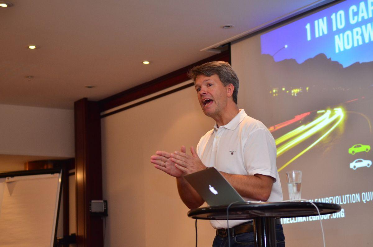 Næringspolitisk direktør i BNL, Audun Lågøyr holdt ett av de mange innleggene om seriøsitet i den sørlige byggebransjen i Norge.