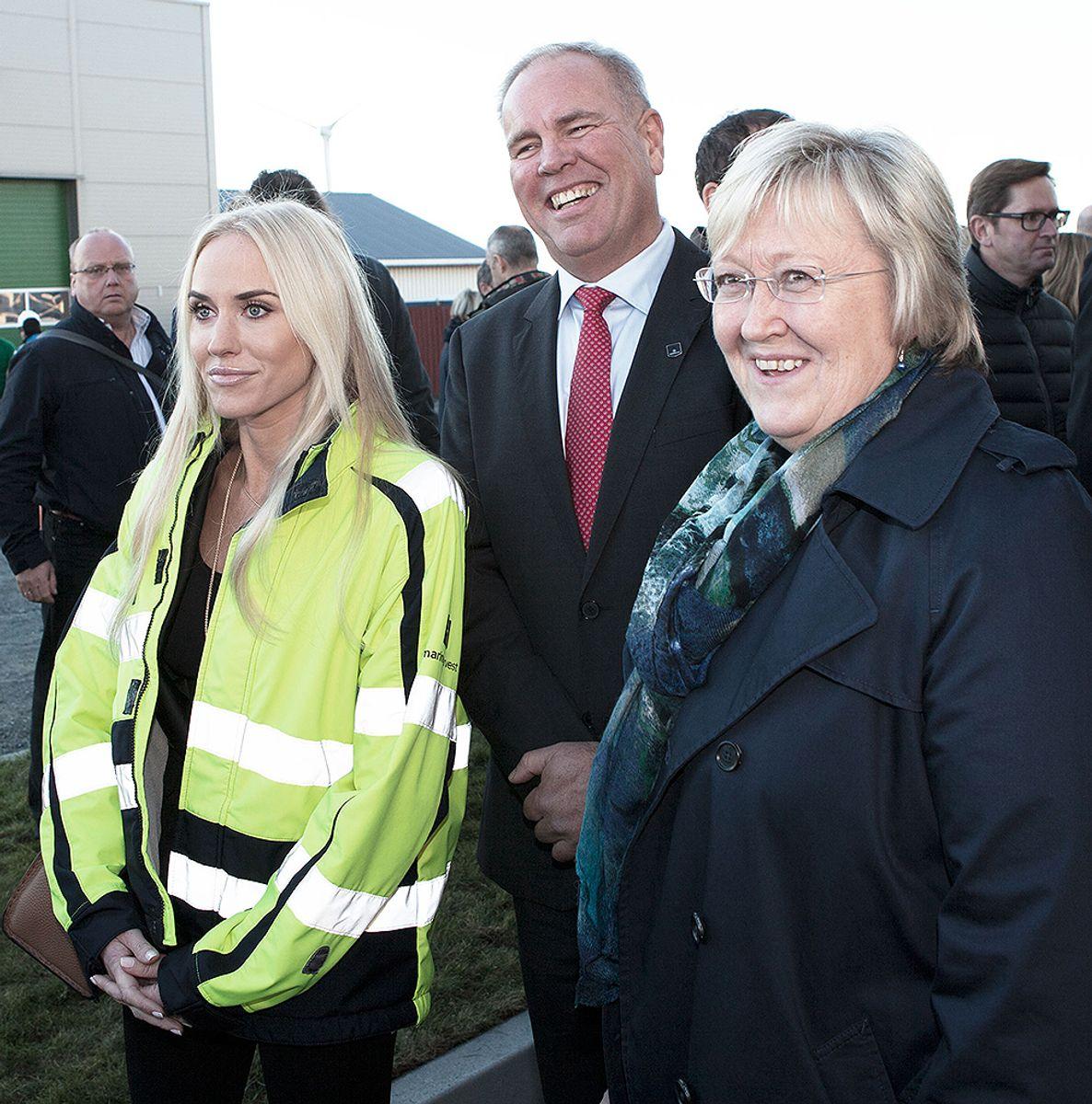 Fra venstre: Styremedlem Cecilie Fredriksen, styreleder Ole Eirik Lerøy og fiskeriminister Elisabeth Aspaker. Foto: Rune Røstad, Punch Reklame