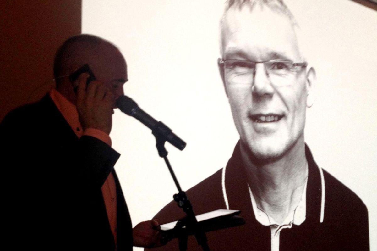 Årets leder, Per Håkon Berge fra Hellvik Hus Karmøy, intervjues på direkten på video av kjedesjef Mikal Stapnes i Hellvik Hus.