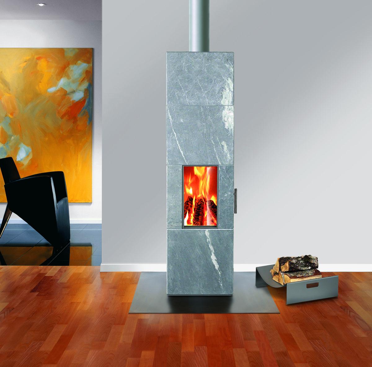 Rais Geo: Vedovn med prisbelønnet design kledd med finsk naturstein. Konveksjonsovn som både gir rask varme, og som lagrer varme i steinkappen, noe som gir god temperatur selv etter at ilden er slukket. Kan kombineres med luft utenfra, og dermed brukes i passiv- eller lavenergihus. Rais, også en dansk produsent, har 52 svanemerkede vedovner.