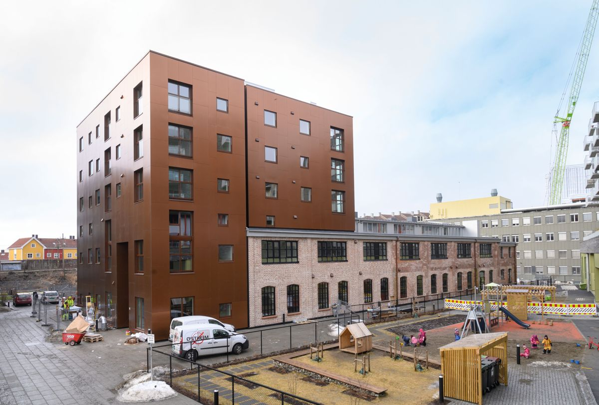 Levahn med nytt volum til venstre, Ensjø Torg i Oslo, 24.2.2021. Foto: Trond Joelson, Byggeindustrien