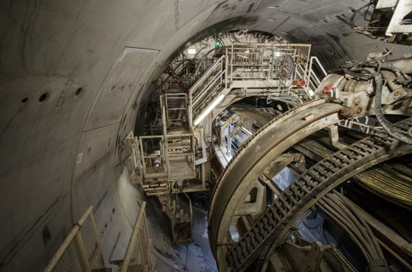 Fire store tunnelboremaskiner boret Blixtunnelen på Follobanen. Nå skal tunnelboremaskiner drive en 19 kilometer lang råvannstunnel mellom Holsfjorden og Oslo. En ny kostnadskalkyle etter at tilbudene kom inn viser at det vil koste 3,4 milliarder kroner, ikke 1,9 som kommunen anslo for ett år siden. Illustrasjonsfoto: Sindre Sverdrup Strand