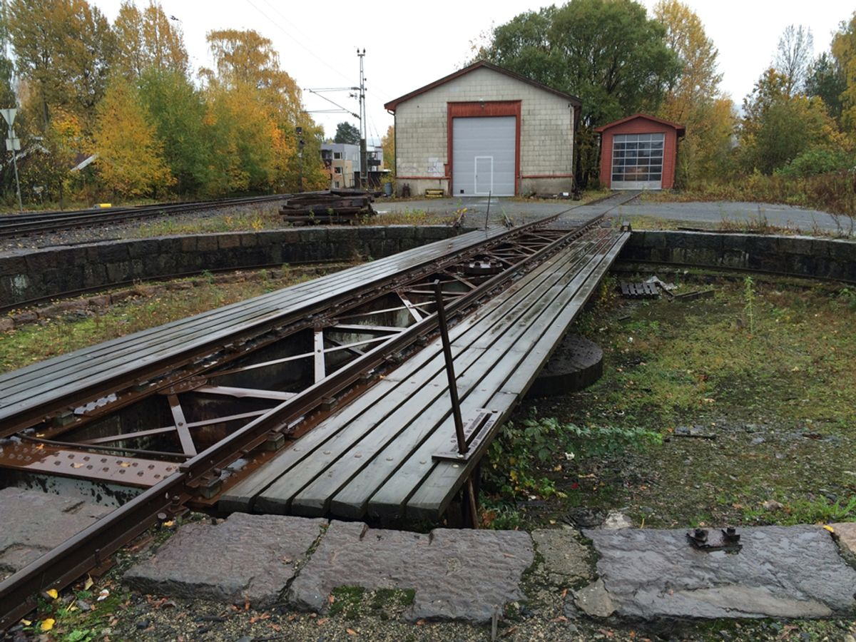 Denne svingskiven i Hokksund skal flyttes. Foto: Jernbaneverket