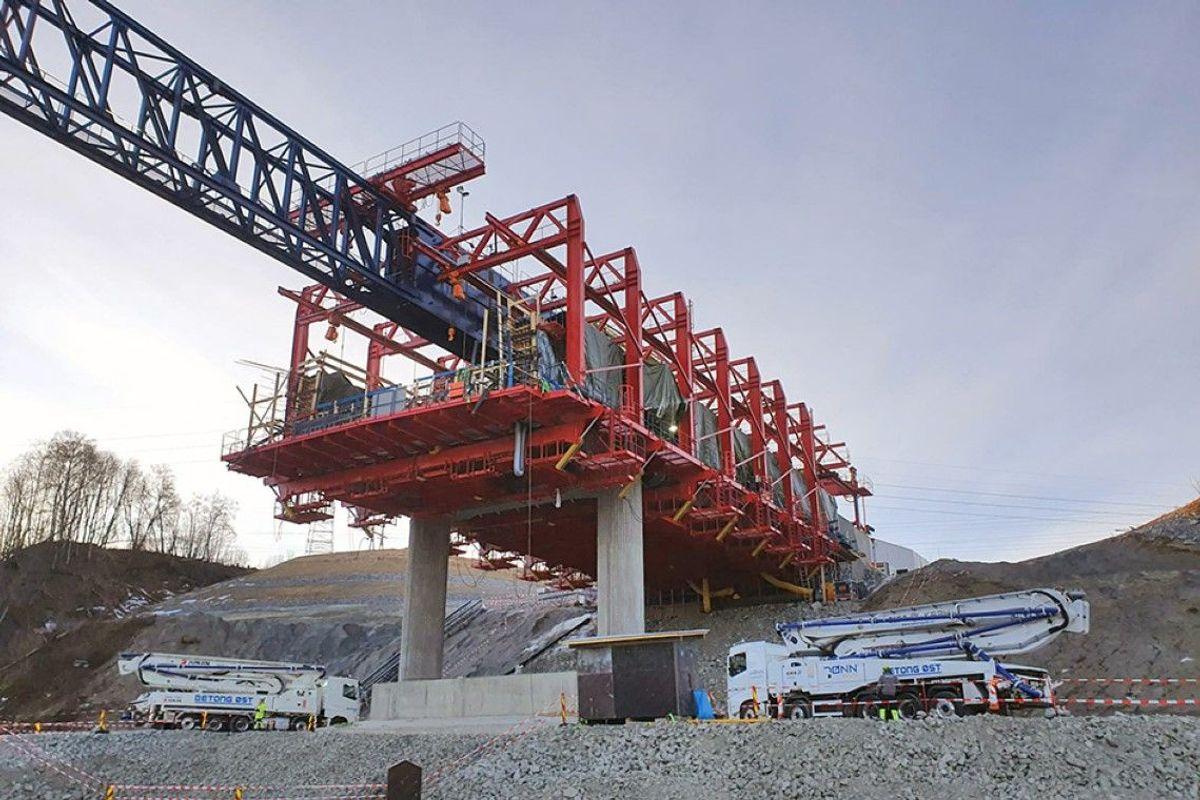 Her er alt er klart for første støpeetappe på Minnevika jernbanebru mandag morgen. Foto: Marcin Ryzsard Lasota
