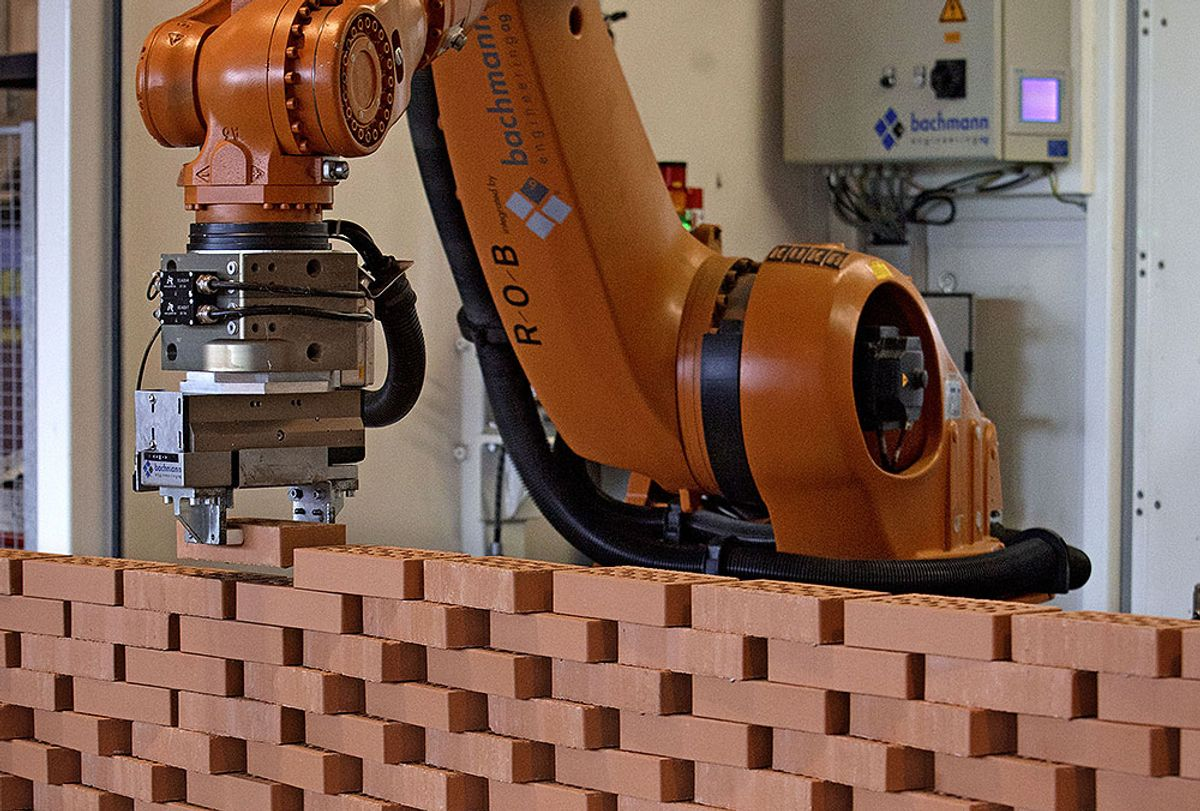 <p>En nederlandsk bedrift har utviklet denne murerroboten. Foto: Dolph Cantrijn/Hollandse Hoogte</p>