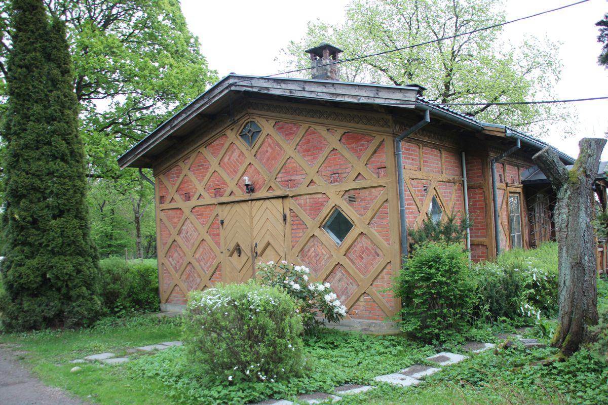 Gartneriområdet på Bygdøy, hvor Kong Oscars orangeri fra 1800-tallet skal gjenskapes som et urbant landbrukssenter. Her er gartneriboligen fra 1800-tallet, som er en av bygningene som skal rehabiliteres. (Foto: Svanhild Blakstad)