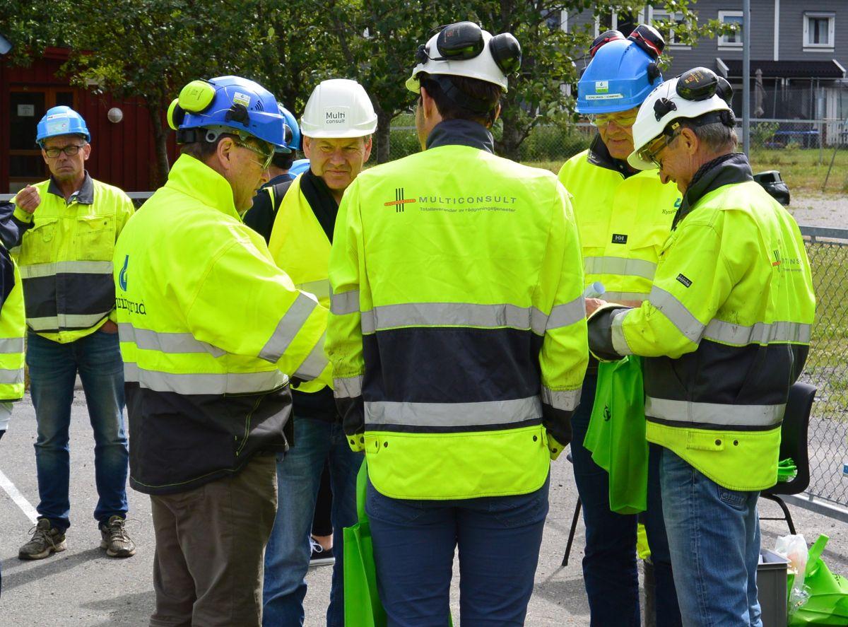 Per Løvlien fra Løvlien Georåd (fra venstre), Ivar Kynningsrud, Andreas Berger fra Multiconsult, Erling Omre fra Kynningsrud og Jan Finstad fra Multiconsult. Foto: Kynningsrud