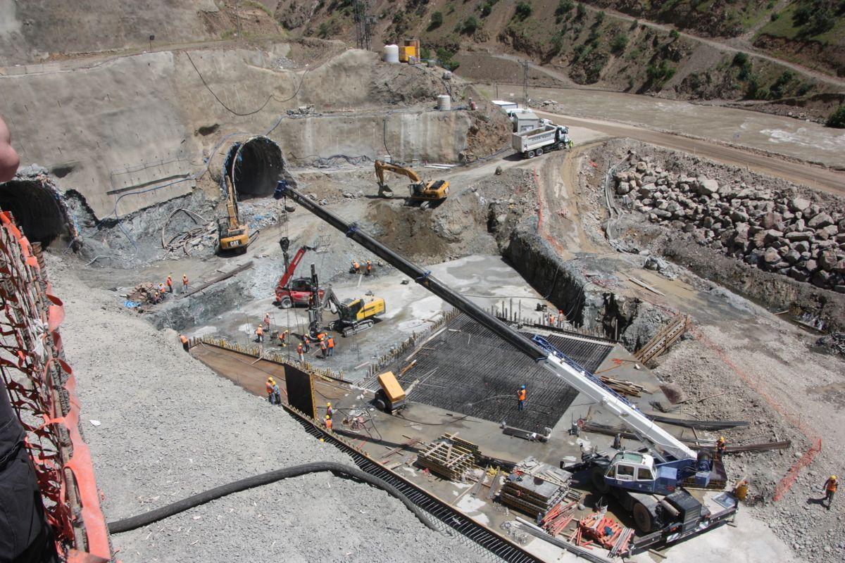 Arbeid ved utløpet av omløpstunnelene. Foto: Statkraft