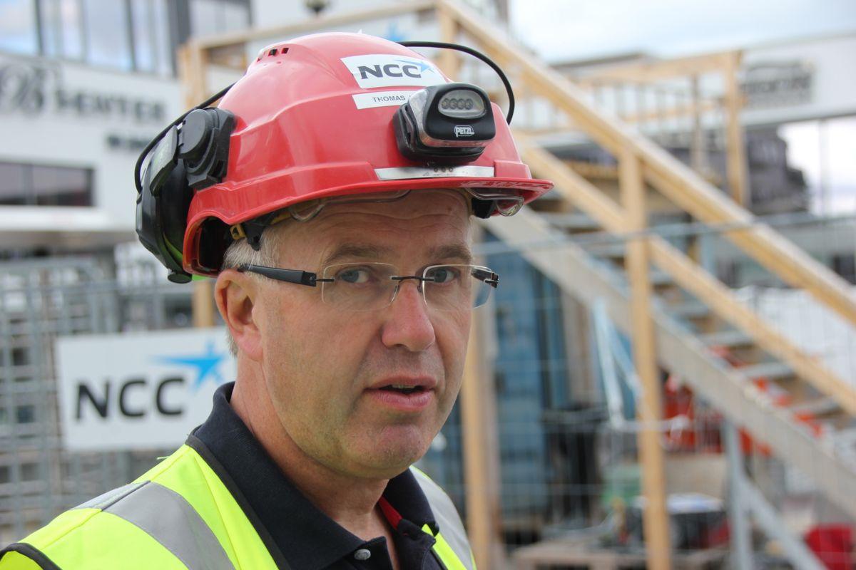 HMS-uke: Driftsleder Tore Johannessen i NCC under beredskapsøvelse på NCCs byggeplass Gamle Ringeriksvei 36 på Bekkestua i Bærum. (Foto: Svanhild Blakstad)