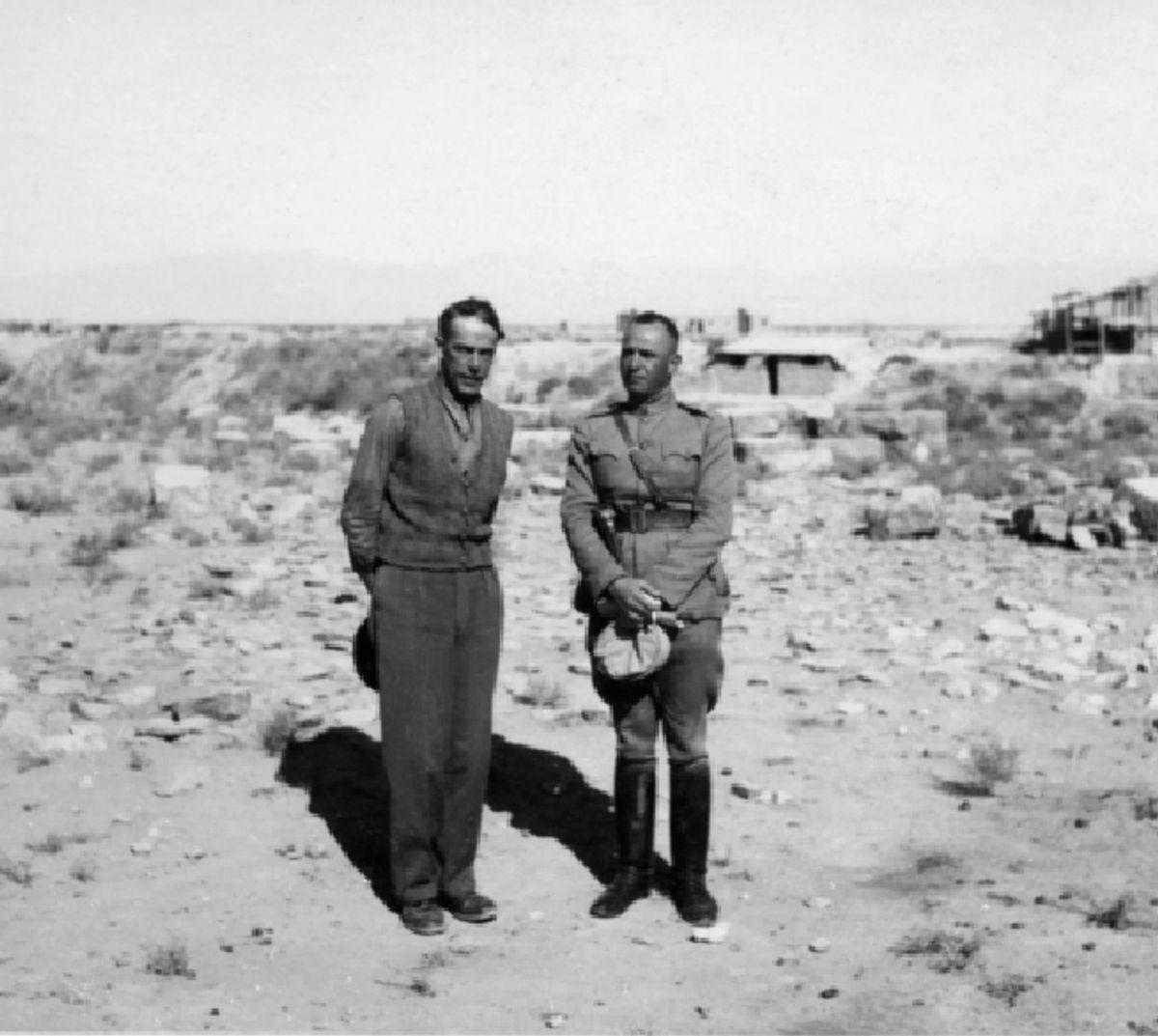 Captain Ararme (til høyre) var en av Didrik Lærums personlige livvakter i Iran.