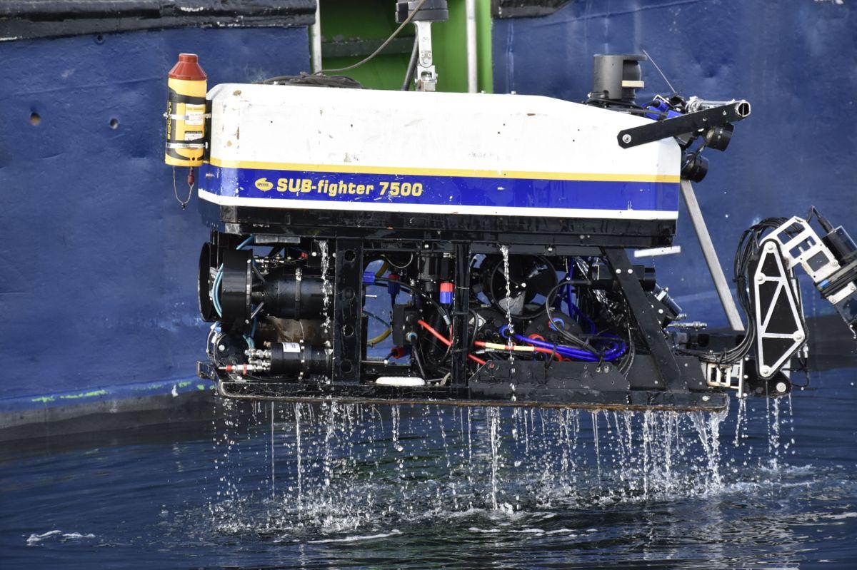 ROV er en undervannsrobot med to hydrauliske armer, som fjernstyres av en operatør på overflaten.