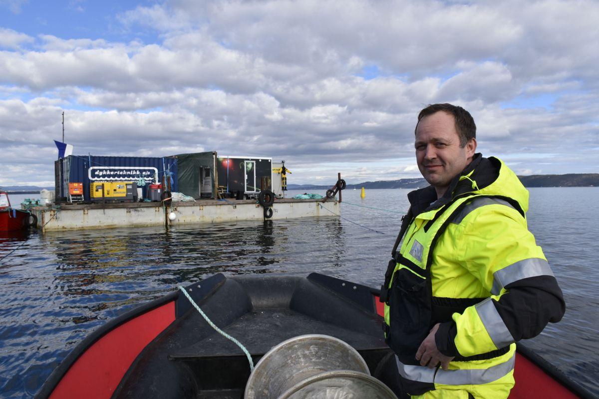 Daglig leder Fredrik Breiby sier 50 meter er maksgrensen for hvor dypt anleggsdykkere kan dykke.