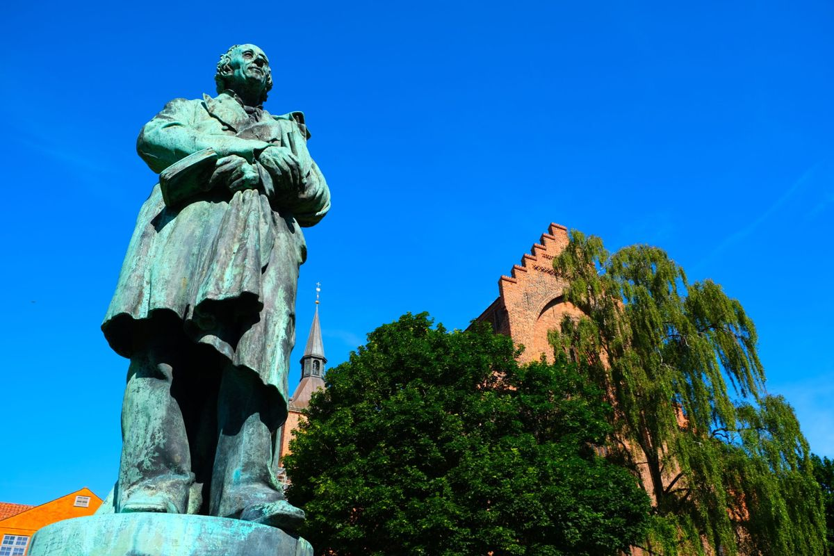 H.C Andersens statue i Odense. Foto: Odense City Museums