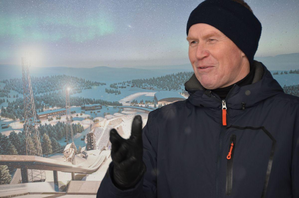 Den kjente idrettsprofilen og i dag direktør for næring og idrett i Trondheim kommune, Ola By Rise, var selvsagt på plass i Granåsen fredag. Foto: Krister Olsen