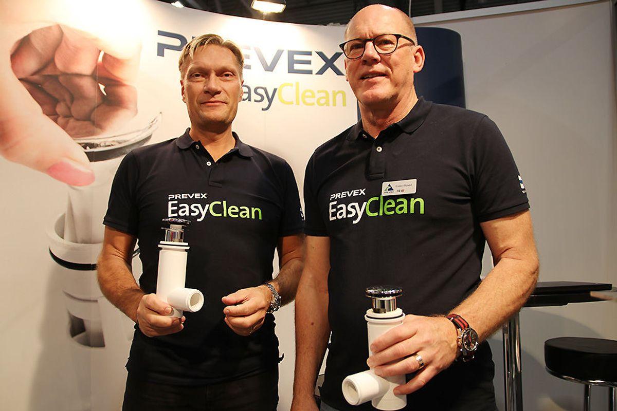 Stefan Skoogh (t.v.) og Conny Eklund i Prewex kan fortelle om stor interesse for den nye vannlåsen på Bygg Reis Deg.