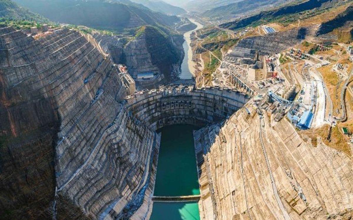 Baihetan-demningen i Sichuan i Kina blir verdens nest største demning. Foto: China Three Gorges Corporation