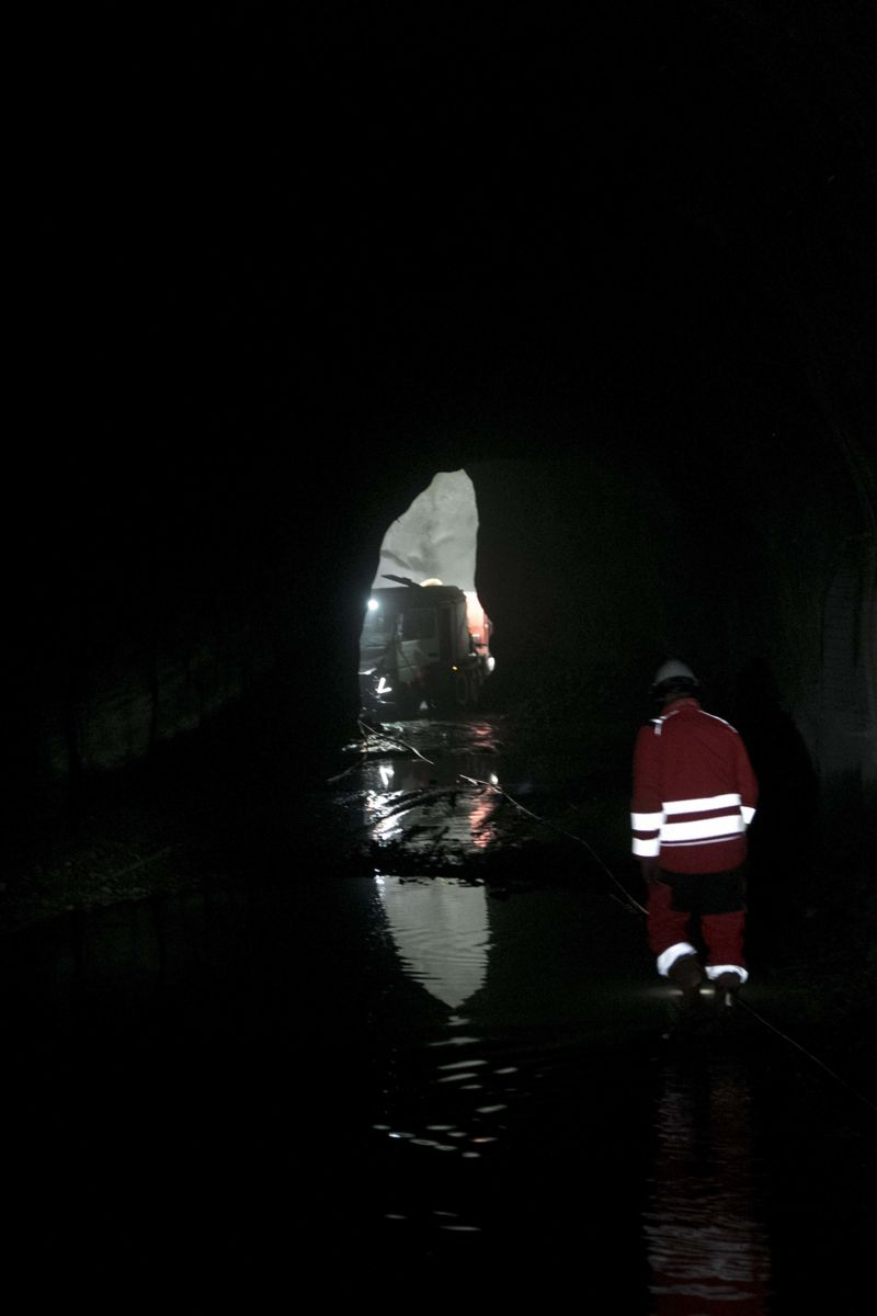 Veidekke i arbeid langt nede i gruvene.