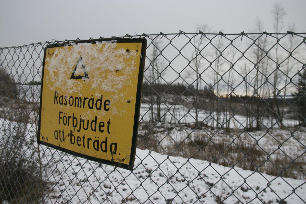 Gjerdene som beskytter Malmberget mot den stadig voksende Kaptensgropen flyttes stadig bakover.