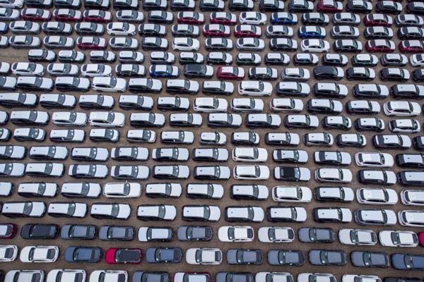 Bilimporten økte med 290 prosent i april i år, sammenlignet med april i fjor. Foto: Heiko Junge / NTB