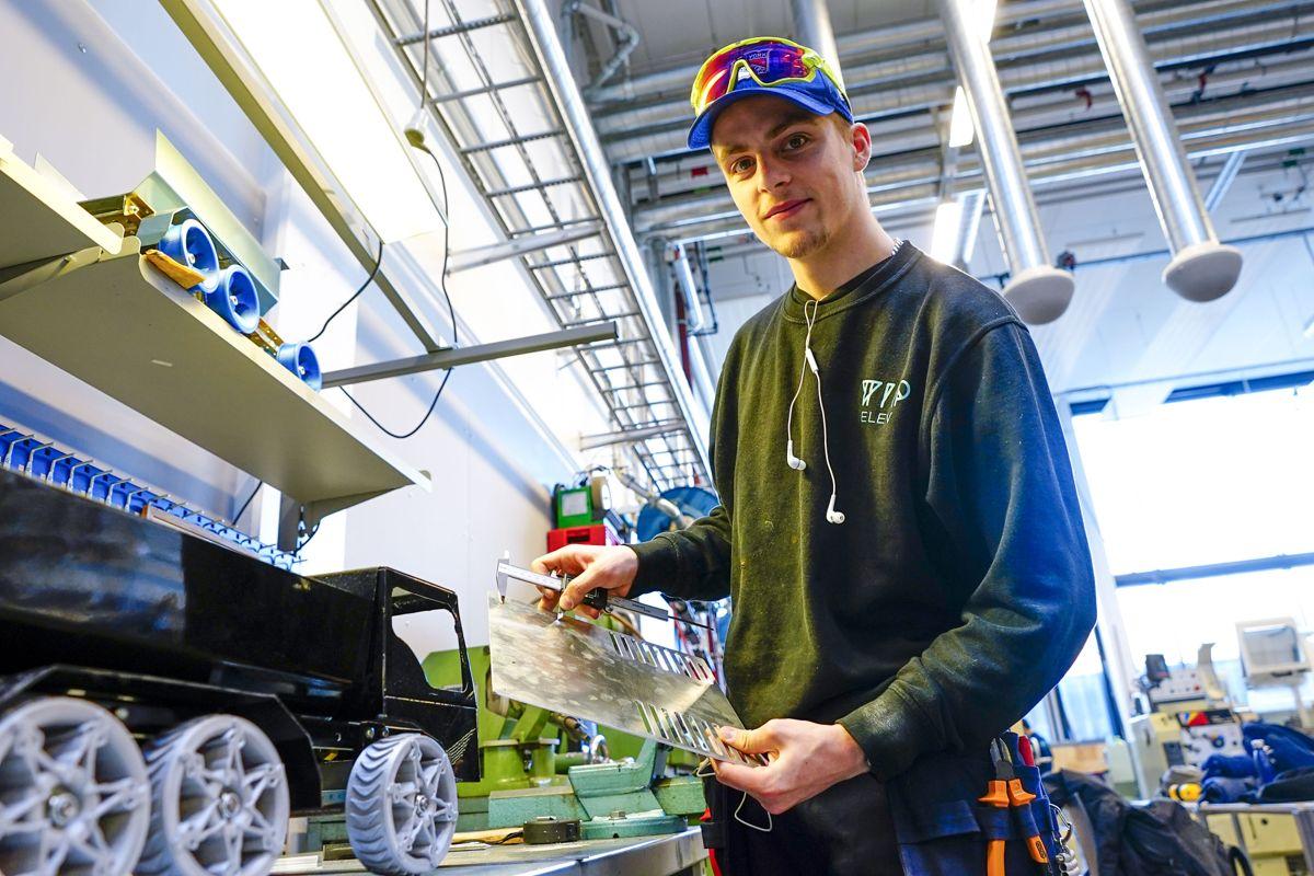 Teknologiske fag og helsefag er de mest populære linjene på fagskolene, mens økonomi og administrasjon øker mest. Foto: Lise Åserud / NTB