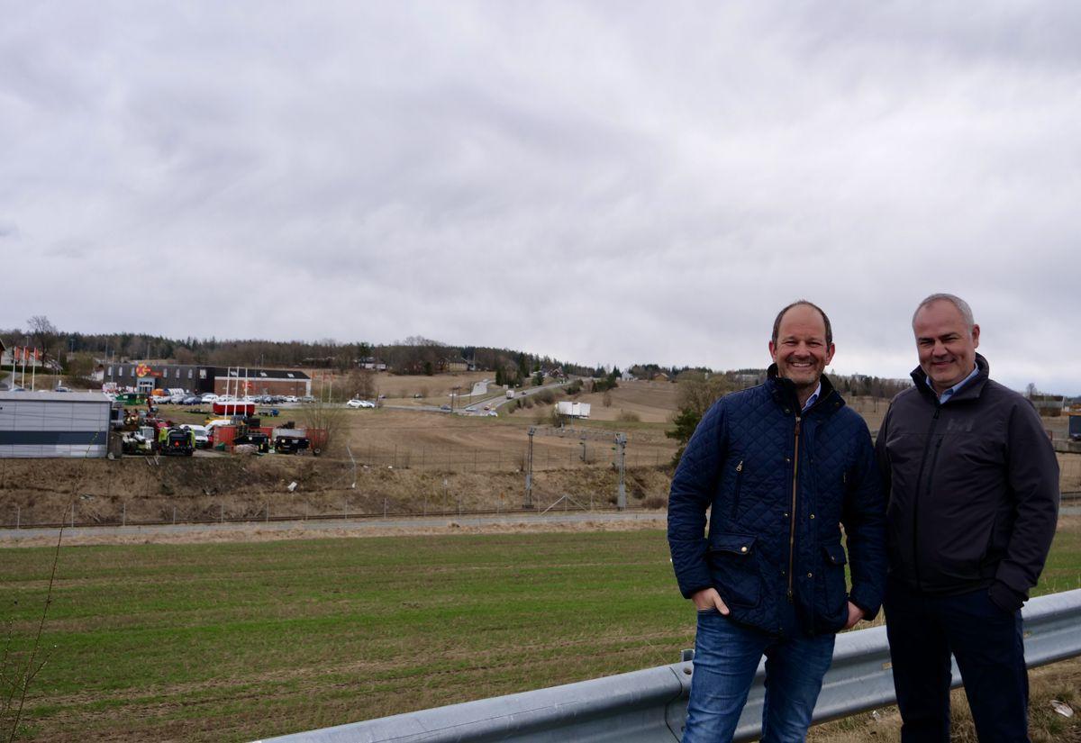 Didrik Carlsen (Malling & Co Property Partners) og Thomas Wisbech (Bakke Leiligheter). Foto: Bakke Leiligheter