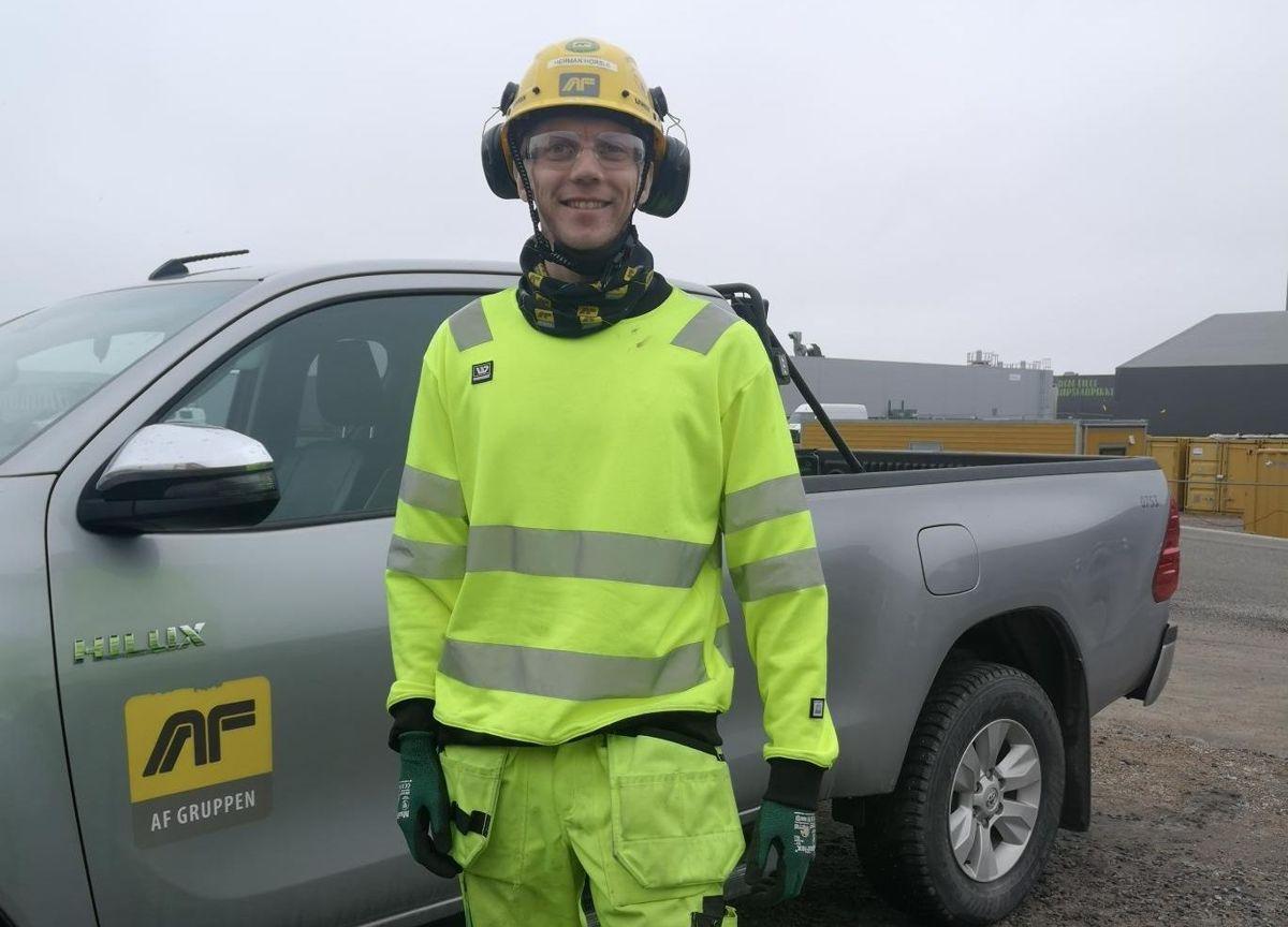 AF Anleggs BIM-koordinator på E39 mellom Kristiansand og Mandal, Herman Horsle, har tatt videreutdannelse som elektroingeniør og BIM-koordinator etter først å ha jobbet som elektriker med fagbrev. Foto: Privat