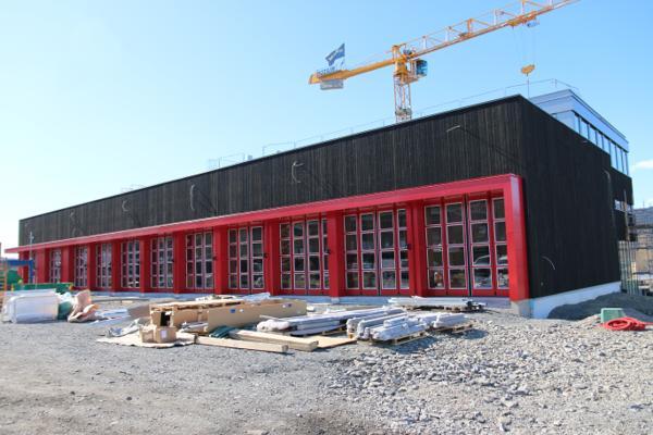 Den nye brannstasjonen bygges litt nord i Lillehammer by med kort vei til E6. Prosjektet skal stå ferdig i midten av november.