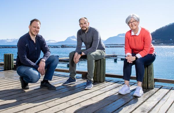 Kenneth Dallager, Erling Pettersen og Hilde Svenning i Hinnstein AS gleder seg over økt oppdragsmengde og flere nye medarbeidere for den nordnorske ingeniørbedriften.