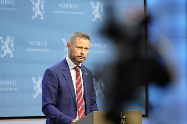 Helse- og omsorgsminister Bent Høie på pressekonferansen om koronasituasjonen onsdag. Foto: Gorm Kallestad / NTB
