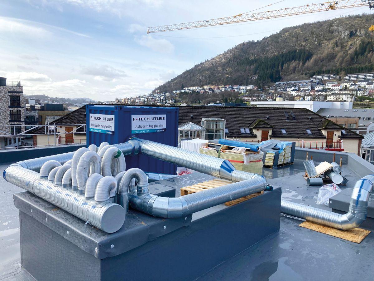 F-TECH-systemet utslippsfri byggtørk brukes blant andre av entreprenørselskapet Br. Ulveseth i Bergen. Her fra et boligprosjekt på Kronstad. Foto: F-Tech