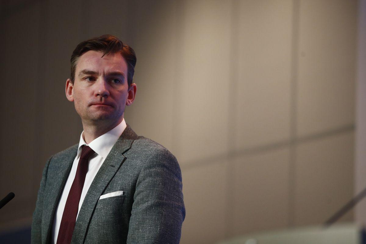 Forsknings- og høyere utdanningsminister Henrik Asheim (H) på en pressekonferanse om koronasituasjonen i Norge. Foto: Terje Pedersen / NTB
