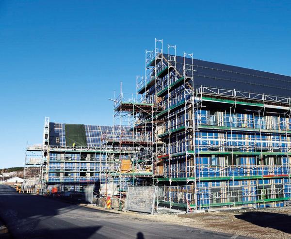 Modulbyggene på Evenes er et av Forsvarsbyggs prosjekter, der det skal investeres for cirka fem milliarder kroner frem mot 2023. Foto: Forsvarsbygg