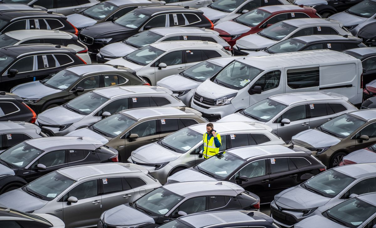 IMF mener Norges utskifting av bilparken, fra fossil- til elbiler, kan gjøres på en mer kostnadseffektiv måte enn i dag. Illustrasjonsfoto: Ole Berg-Rusten / NTB
