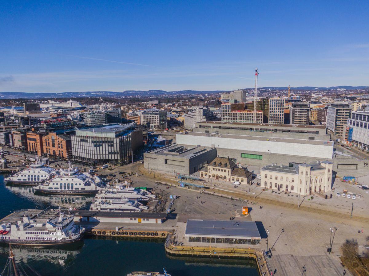 Nasjonalmuseet, Nobels Fredssenter og Aker Brygge i Oslo. Foto: Stian Lysberg Solum / NTB